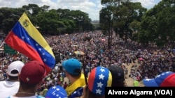 委内瑞拉民众2017年5月20日走上首都加拉加斯及其他城市的街头,抗议马杜罗总统的社会主义政府