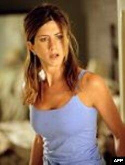 Məşhurlar: Cenifer Aniston Bred Piti evdən qovmuşdu (video)