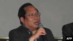 香港民主党主席何俊仁(资料照片)