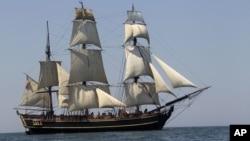 """La fragata HMS Bounty era conocida por haber participado en la película de Hollywood """"Los Piratas del Caribe""""."""