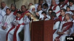 在最近发生了宗教暴力事件后,埃及的大约8百万名基督徒,对于他们在这个由伊斯兰政府执政国家的命运感到担忧。