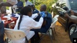 Le Burundi lance une campagne de vaccination contre le virus Ebola pour les agents de santé et de première ligne (Photo : Organisation mondiale de la Santé)