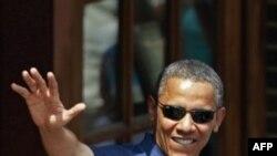 Barak Obama ayni damda oilasi bilan Atlantika okeani sohillarida dam olmoqda