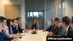 Nga një takim i mëhershëm në Bruksel