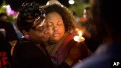 Vigilia en North Charleston, Carolina del Sur, donde un hombre negro fue muerto por un policía blanco.