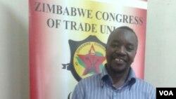 Umnu. Elijah Mutemeri weZCTU obona ngenhlelo lwabaphila ngokuthenga bethengisa impahla.