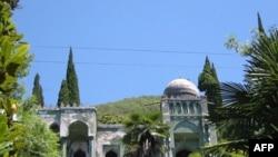 Дом в Гаграх. Абхазия (архивное фото)
