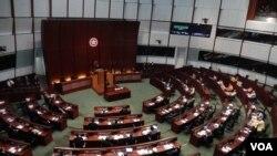 香港立法會答問大會(美國之音 湯惠芸攝)