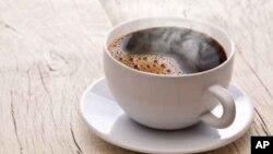 Di Iran, China dan Amerika Selatan, di mana teh dan kopi seringkali disajikan pada suhu 70 derajat Celsius atau lebih.