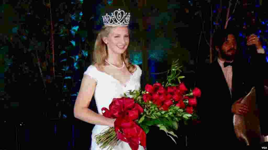 玫瑰皇后爱丽卡(美国之音国符拍摄)