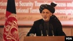 افغان صدر اشرف غني سره یو لوړ پوړی دولتي پلاوی هم هند ته په سفر تلی دی .