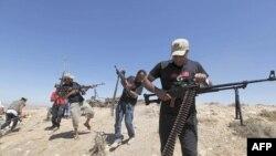 Libya'da İsyancılar Zaviye'ye Yaklaşıyor