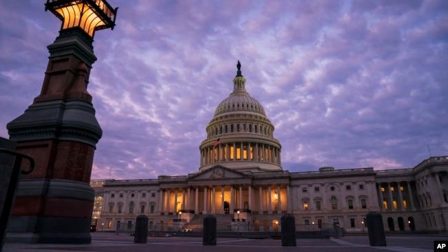 弹劾和叙利亚问题让华盛顿政治氛围紧绷