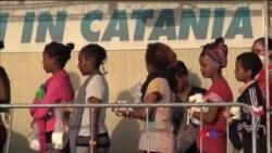 Refugiados chegam à Europa pelo Mar Mediterrâneo