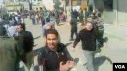 Demonstrasi anti-pemerintah berlangsung di Suriah selatan untuk hari ketiga (20/3).