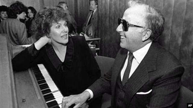 A 1968 file photo shows actress Lynn Redgrave (L) and George Shearing at an Arts and Entertainment Network Party in New York