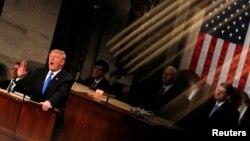 美國總統特朗普在國會參眾兩院聯席會議上發表國情咨文演講。(2018年1月30日)