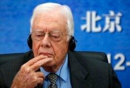 美國前總統卡特在北京大學的座談會上(2012年12月12日)
