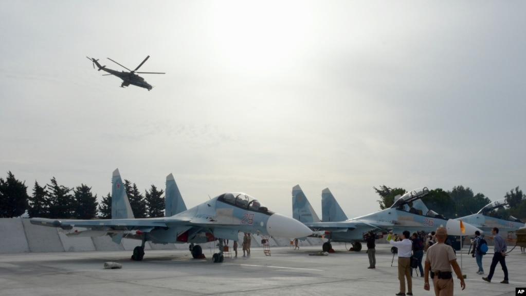 Các máy bay Su-30 của Nga tại một căn cứ ở Syria năm 2015.