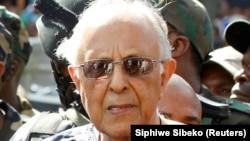 Ahmed Kathrada, activista sul-africano anti-apartheid, companheiro de cela de Nelson Mandela