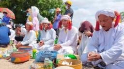 Một sự kiện tôn giáo của người Chăm Bàni ở Việt Nam. Photo Luu Hoang Diep