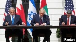 2020年9月15日以色列總理內塔尼亞胡,美國總統·特朗普和阿拉伯聯合酋長國外交部長阿卜杜拉·本·扎耶德簽署《亞伯拉罕協議》。