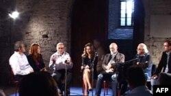 Intelektualë nga Shqipëria dhe Kosova diskutojnë në Gjirokastër për komunikimin kulturor