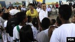 La visita del presidente Barack Obama y la primera dama Michelle Obama, generó un clima de fiesta en Ciudad de Dios.