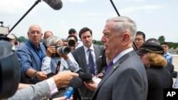 馬蒂斯2018年8月7日在五角大樓回答媒體提問(美聯社)