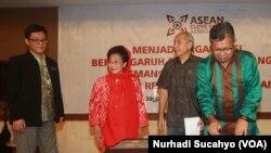 Petani, pelaku bisnis dan akademisi mendirikan Asosiasi Rempah dan Cengkeh ASEAN (ARCA) di Yogyakarta (3/12)