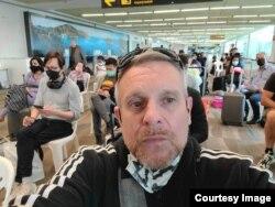 Gabriel Pierce awaits to be screened at Phuket International Airport (Photo by Gabriel Pierce)