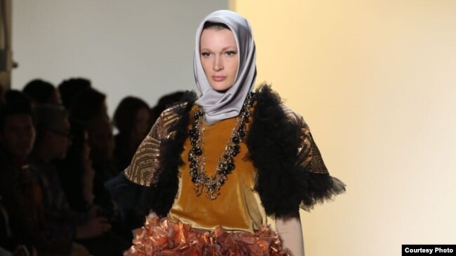 Salah seorang model imigran yang tampil di panggung New York Fashion Week (Foto courtesy: Afida Sukma)