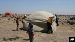 하얀헬멧 대원들이 지난달 28일 시리아에서 활동하는 모습.