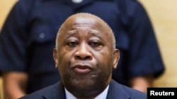 Mantan Presiden Pantai Gading, Laurent Gbagbo dalam sidang di pengadilan Mahkamah Kejahatan Internasional (ICC) di Den Haag, Belanda, 19 Februari 2013 (Foto: dok).