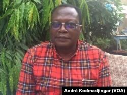 Dobian Assingar, président d'honneur de la ligue tchadienne des droits de l'homme, à N'Djamena, au Tchad, le 11 mars 2018. (VOA/André Kodmadjingar)
