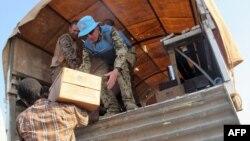 Миротворці ООН розподіляють продовольчі товари місцевому населенню
