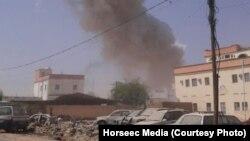 索馬里中部半自治的龐特蘭德地區城鎮噶爾卡尤政府建築發生自殺爆炸