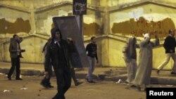 Muy violentos resultaron los enfrentamientos en las calles de El Cairo.