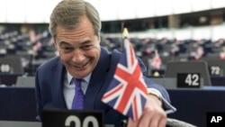 Britanski poslanik Najdžel faraž u Evropskom parlamementu