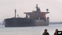 تاخیر در عبور کشتی قوای بحری ایرانی از کانال سوئز