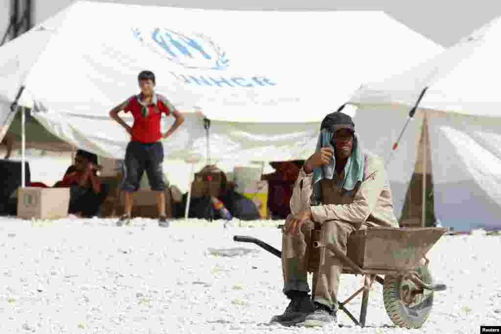 اقوام متحدہ کے اندازوں کے مطابق شام کے اندراج شدہ پناہ گزینوں کی تعداد لگ بھگ 16 لاکھ ہے.