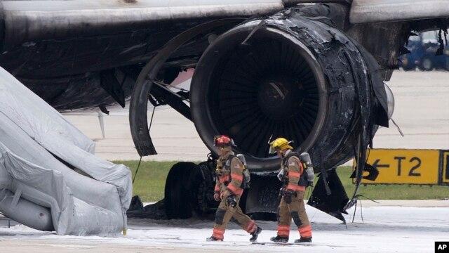 [Internacional] Avião pega fogo em aeroporto da Flórida, nos EUA 3247244F-8EF1-47F7-BE86-AC51EC81B6E6_w640_r1_s_cx0_cy4_cw0