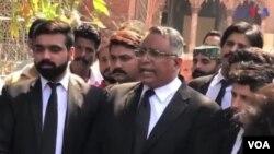 د سرل المیډا قانوني وکیل، اظهر صدیق