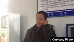 程海律师在看守所被打后报警。(微博图片)