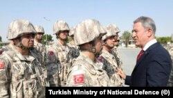 Milli Savunma Bakanı Hulusi Akar Doha'da Katar - Türk Birleşik Müşterek Kuvvet Komutanlığı'nda incelemelerde bulundu