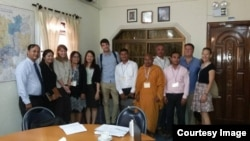 UN Special Rapporteur on the situation of human rights in Cambodia, Rhona Smith (3rd from the left) meets with civil society representatives at the UN Human Rights office on March 21, 2016. (Courtesy Image of Nai Vongda)