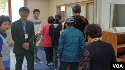 한국에 최근 정착한 탈북민들이 19대 대통령 선거에 참가하기 위해 거주지 투표소를 찾았지만, 투표를 하지 못하고 발길을 돌려야 했다.