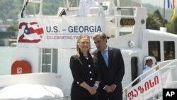 Хиллари Клинтон и премьер-министр Грузии Ника Гилаури в Батуми