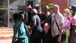 Salif Keita sensibilise sur l'albinisme à Ouagadougou