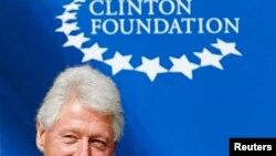 El expresidente de Estados Unidos, Bill Clinton, firmó en Lima un acuerdo para el desarrollo turístico de Cuzco.